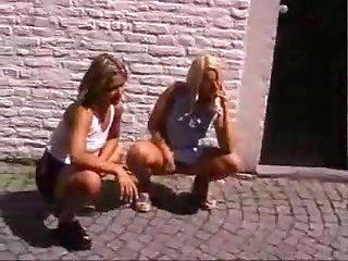 Public - Making Love - Op het vrijhof in Maastricht - ANALDIN