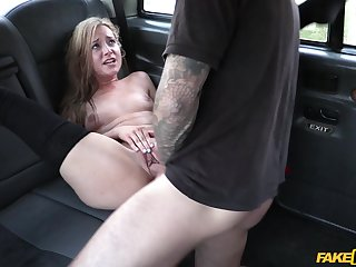Man fucks this petite amateur because she doesn't has money