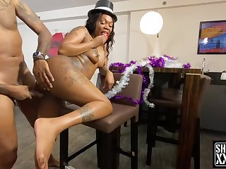 Inked ebony fatty hardcore sex video