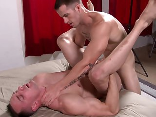 Deepthroating army hunk gets his ass breeded