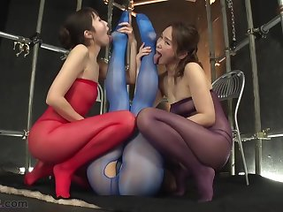 Japanese Lesbian Footsie and Feet Worship