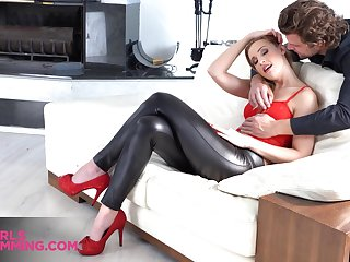 Talkative and flirty nympho with big booty gives stud a good rimjob