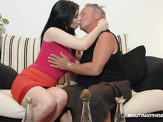 Brunette nympho Sheril Blosso enjoys casual sex with senior