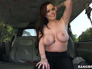 Adorable amateur Roxii Blair takes money to give a nice blowjob