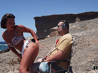 Sexy Alexis Cherry gets her pussy plowed by a guy at one's disposal the beach