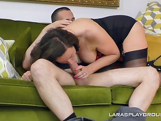 Big ass woman deals the proper inches in home XXX tryout