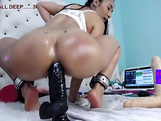 Colombian Booty Vixen In Deep Ass Fuck Show