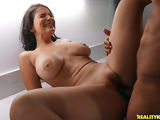 Busty babe screams by how hard the black hunk fucks her