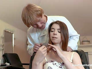 Lina Roselina gets a haircut and a dick from her older hairdresser